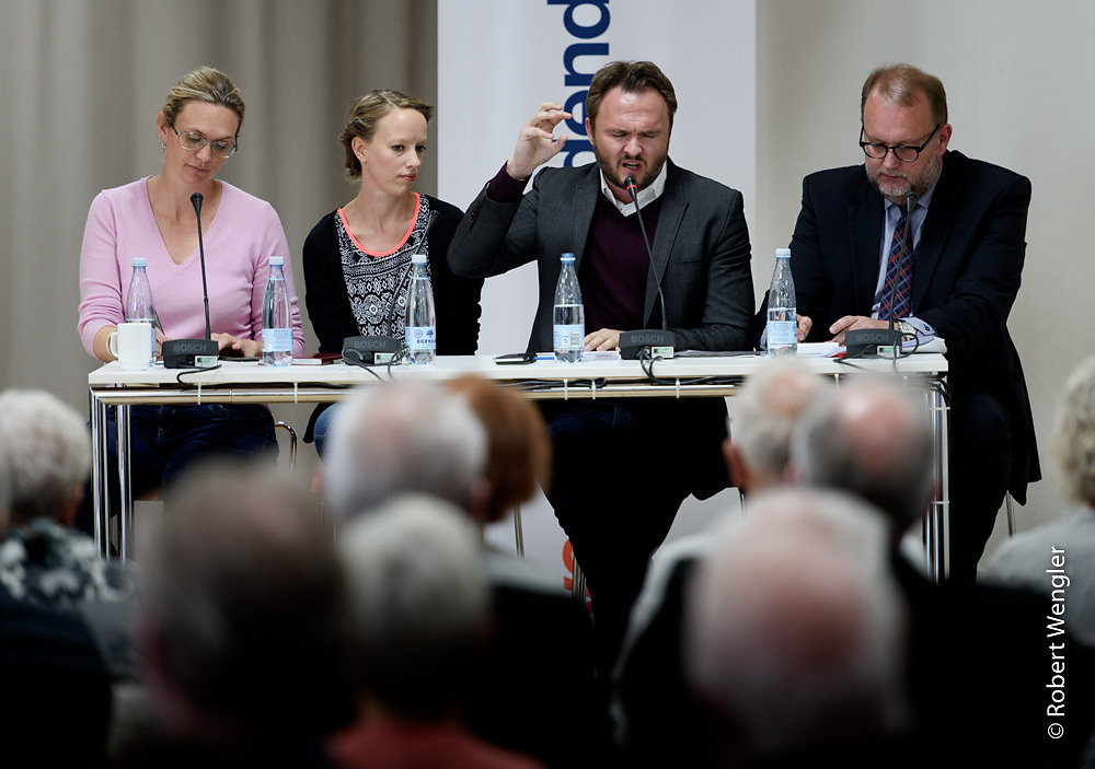 Politikere debatterer til Cafe Stiften